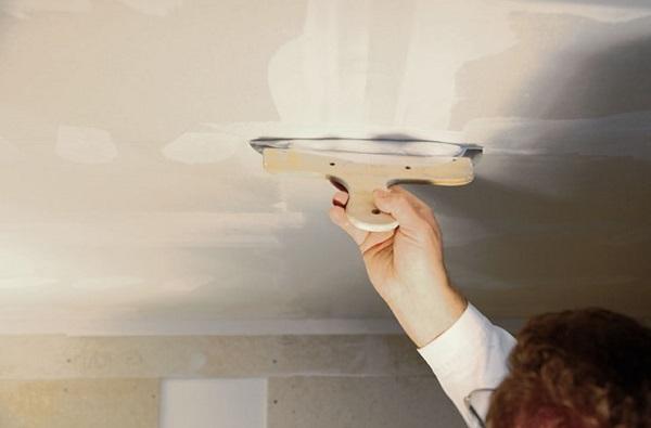 Шпаклевка потолка перед покраской