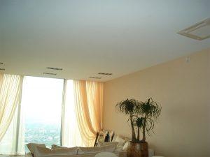натяжные потолки не всегда справляются с шумоизоляцией