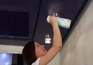 Как помыть натяжной потолок глянцевый