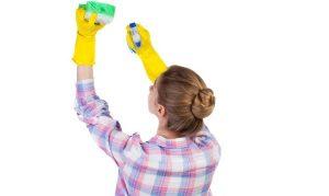 химическая очистка натяжного потолка