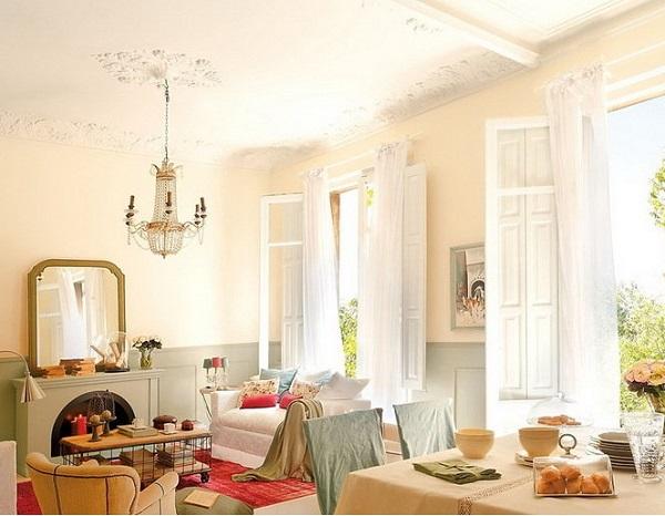 Если в помещении слишком высокие потолки, но нужно выбирать темные тканевые или матовые полотна