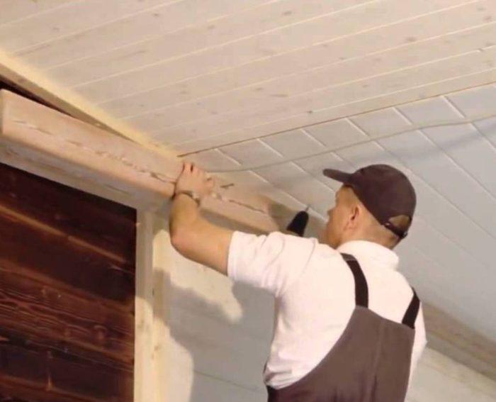 Монтаж балок на подвесной потолок