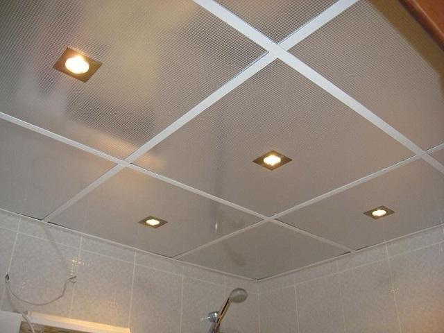 Навесной потолок в ванной и как его сделать 12