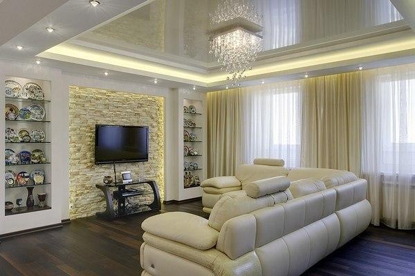Предметы интерьера в комнате также могут визуально поднять потолок