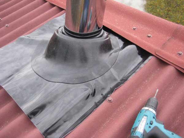 Изоляция для дымохода. Монтаж дымохода на крыше
