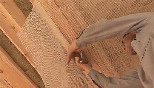 Монтаж пароизоляции на потолок