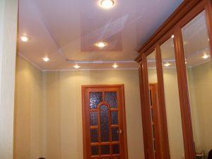 Расположение светильников на натяжном потолке в прихожей