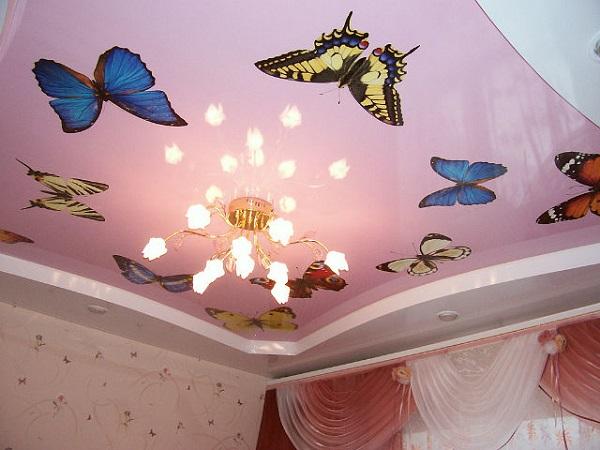 Тканевые натяжные потолки позволяют использовать любые фотокомпозиции, пейзажи, произведения живописи