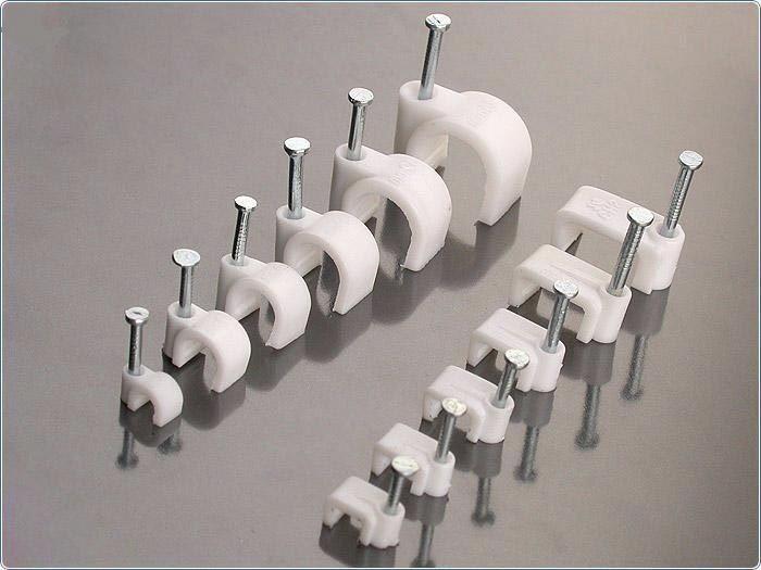 Гвоздевые скобы для крепления проводов