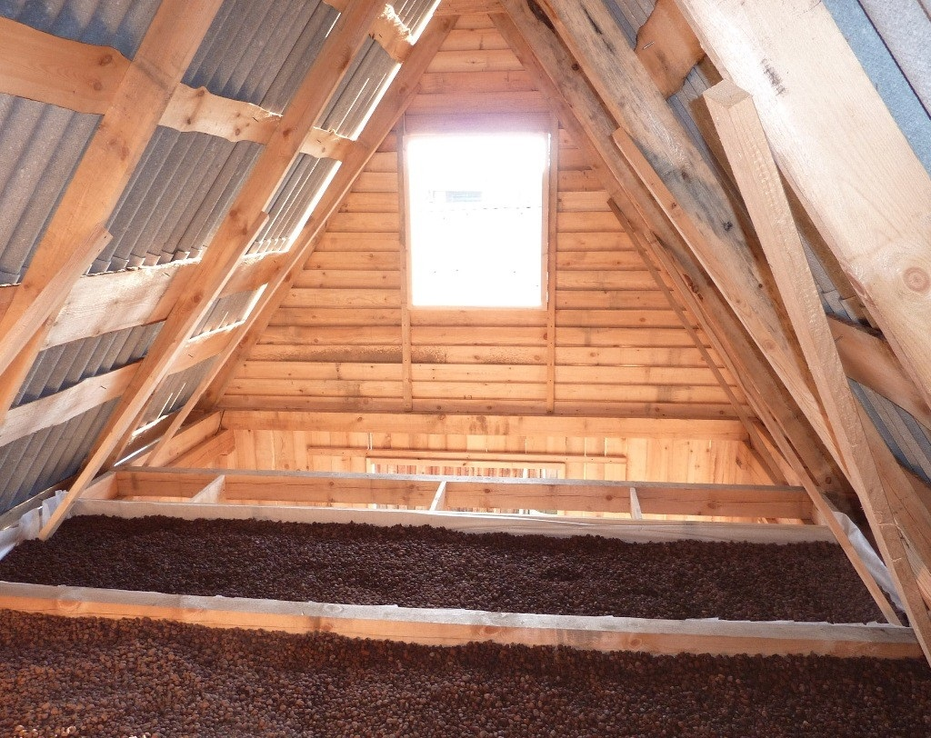 Теплоизоляция потолка в бане керамзитом
