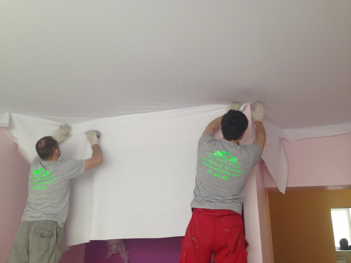 При монтаже тканевый натяжной потолок не нужно нагревать