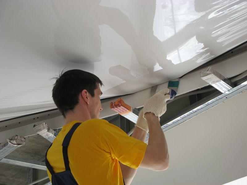 Монтаж натяжного потолка является достаточно сложным и трудоемким процессом