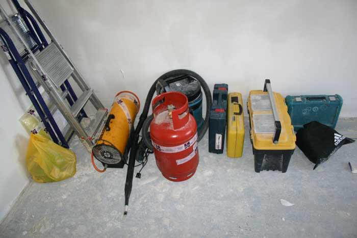 Оборудование и инструменты для монтажа натяжного потолка