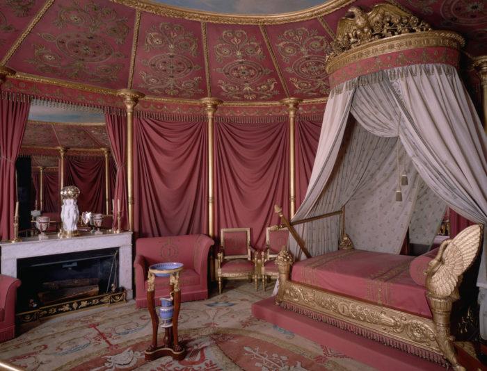 Драпировка потолков тканью в античности (свод потолка Древнего Рима)