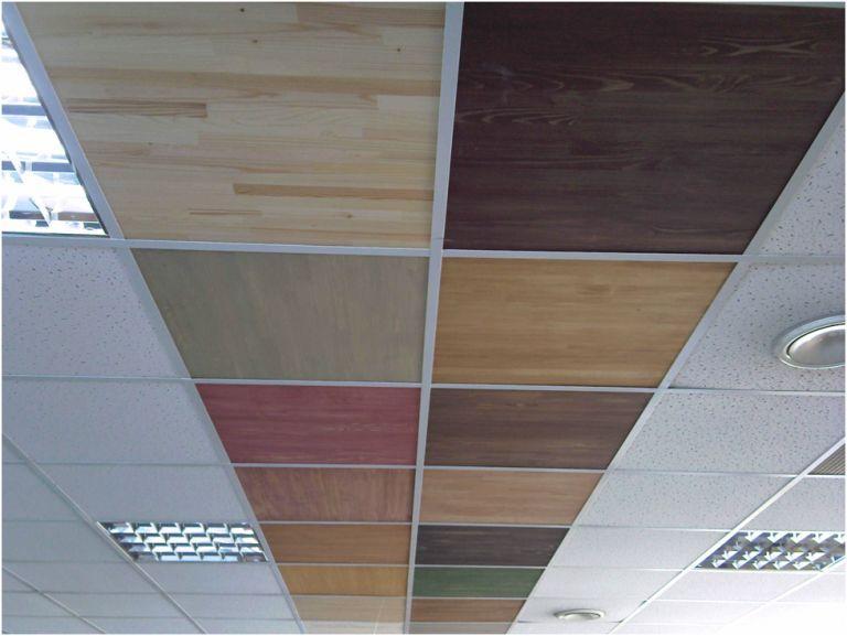 Потолок Армстронг с плиткой из натуральной древесины