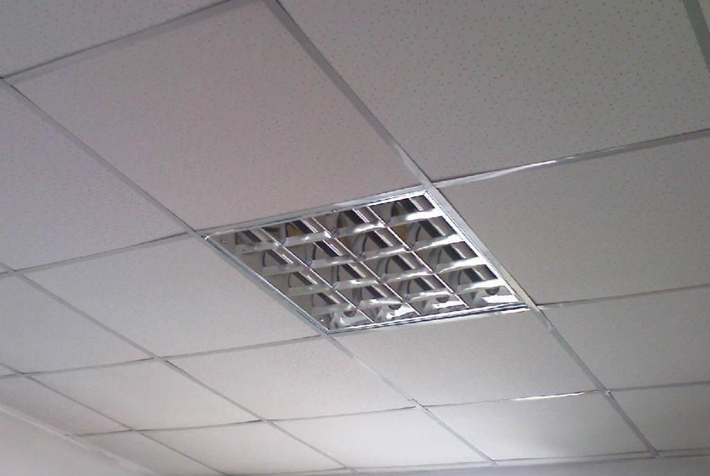 Кассетный потолок из минерального волокна
