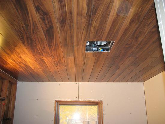Есть ламинат как сделать натяжной потолок