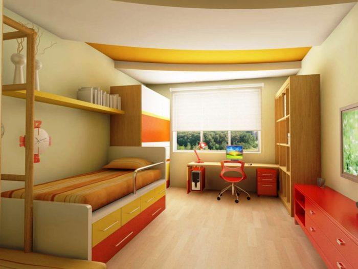 Натяжной потолок в детской бело-желтого цвета