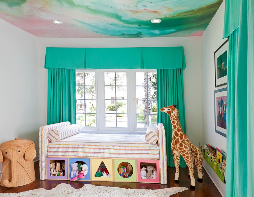 Натяжные потолки в детской комнате не потрескаются и будут долгие годы радовать ребенка своими яркими рисунками