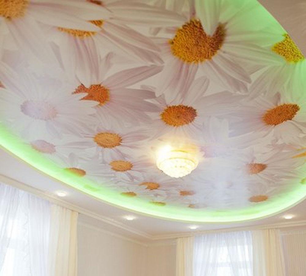 Нежный ромашковый натяжной потолок для маленькой принцессы