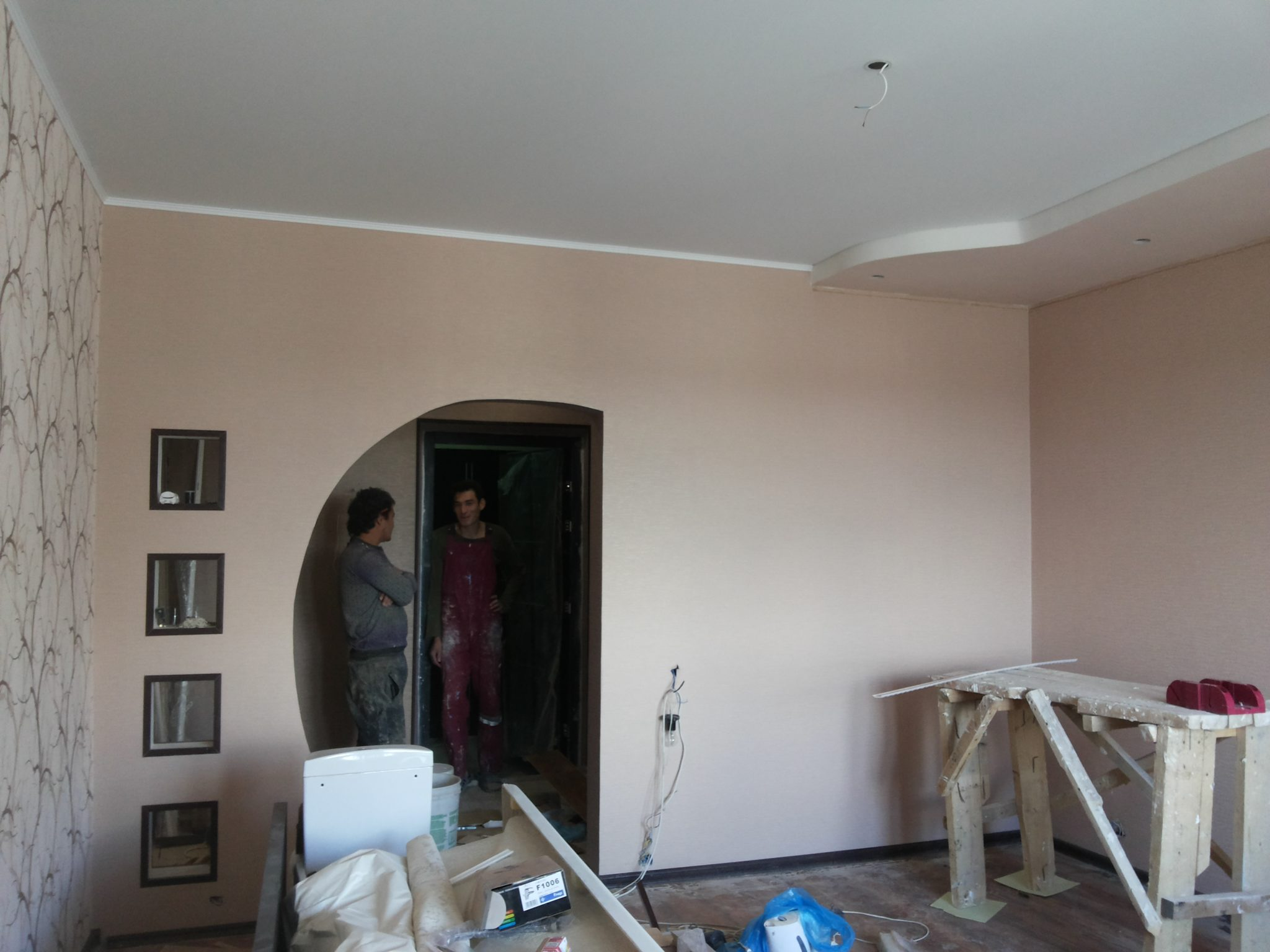 Подготовка помещения к монтажу натяжных потолков