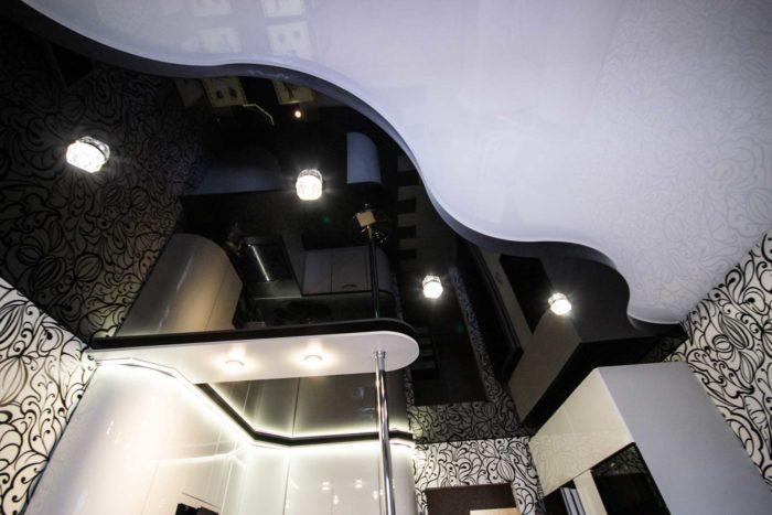 Асимметричное разделение натяжного потолка на участки