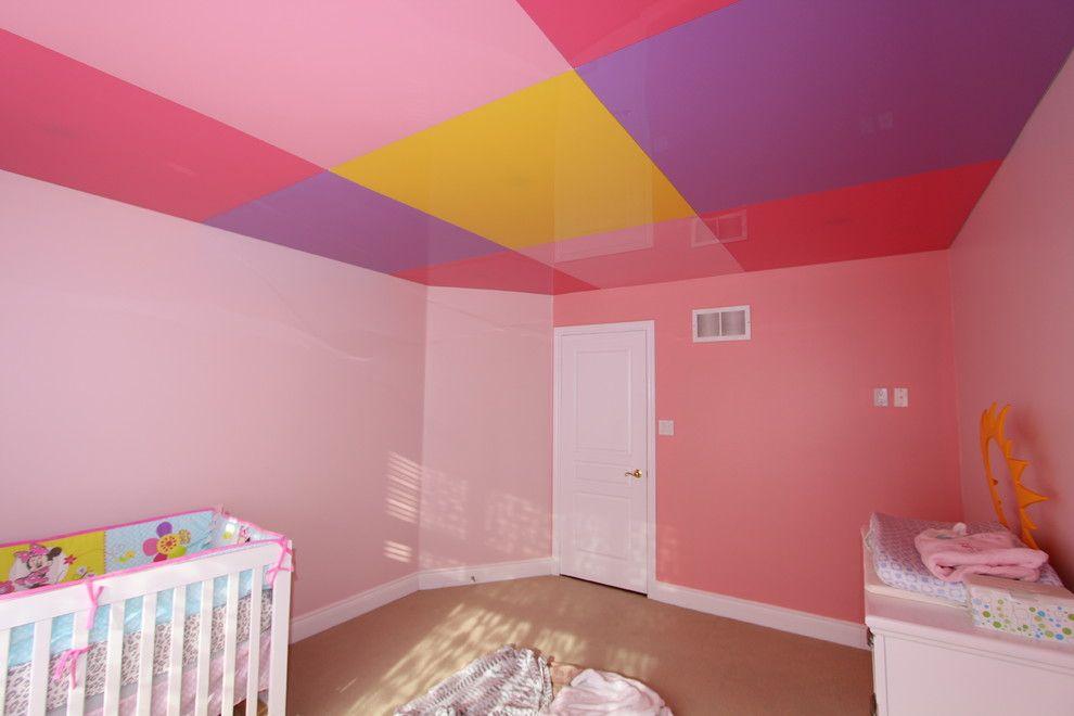 Современный натяжной потолок для детской комнаты