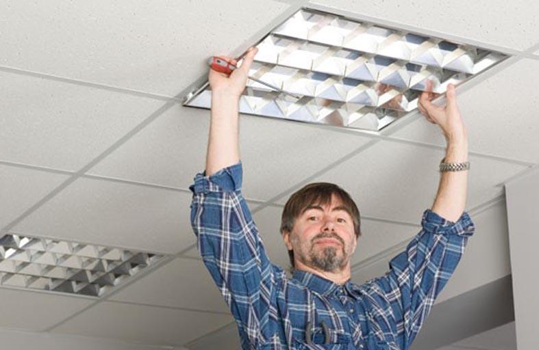 Установка растровых светильников