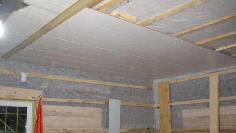 Монтаж ПВХ панелей на деревянный каркас