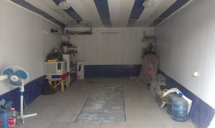 Выбирая, чем обшить потолок в гараже, можно ориентироваться не на прочность и внешний вид покрытия, а на влагостойкость и теплоизоляцию. Горючесть используемого материала тоже очень важна, он как минимум должен быть слабо горючим, или вообще не поддерживать горение