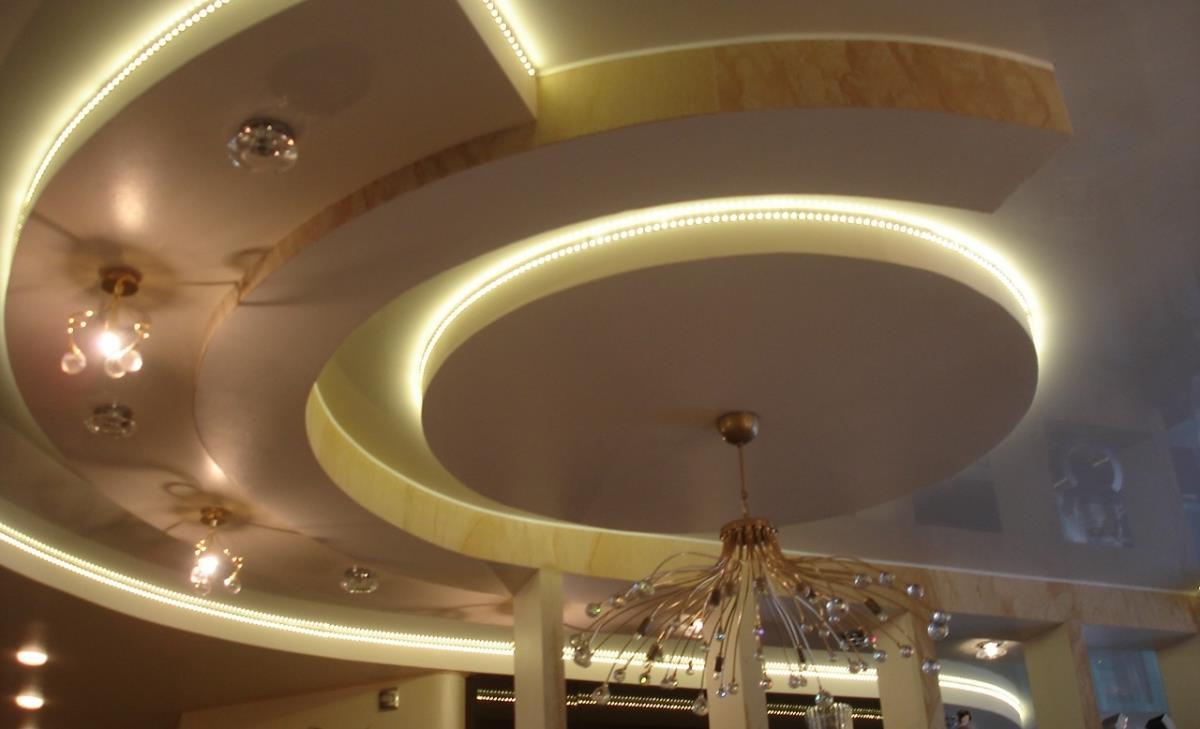 Пример парящего потолка из гипсокартона 6
