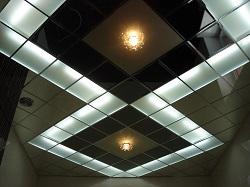 Подвесной кассетный потолок (металл, дерево, ПВХ панели)