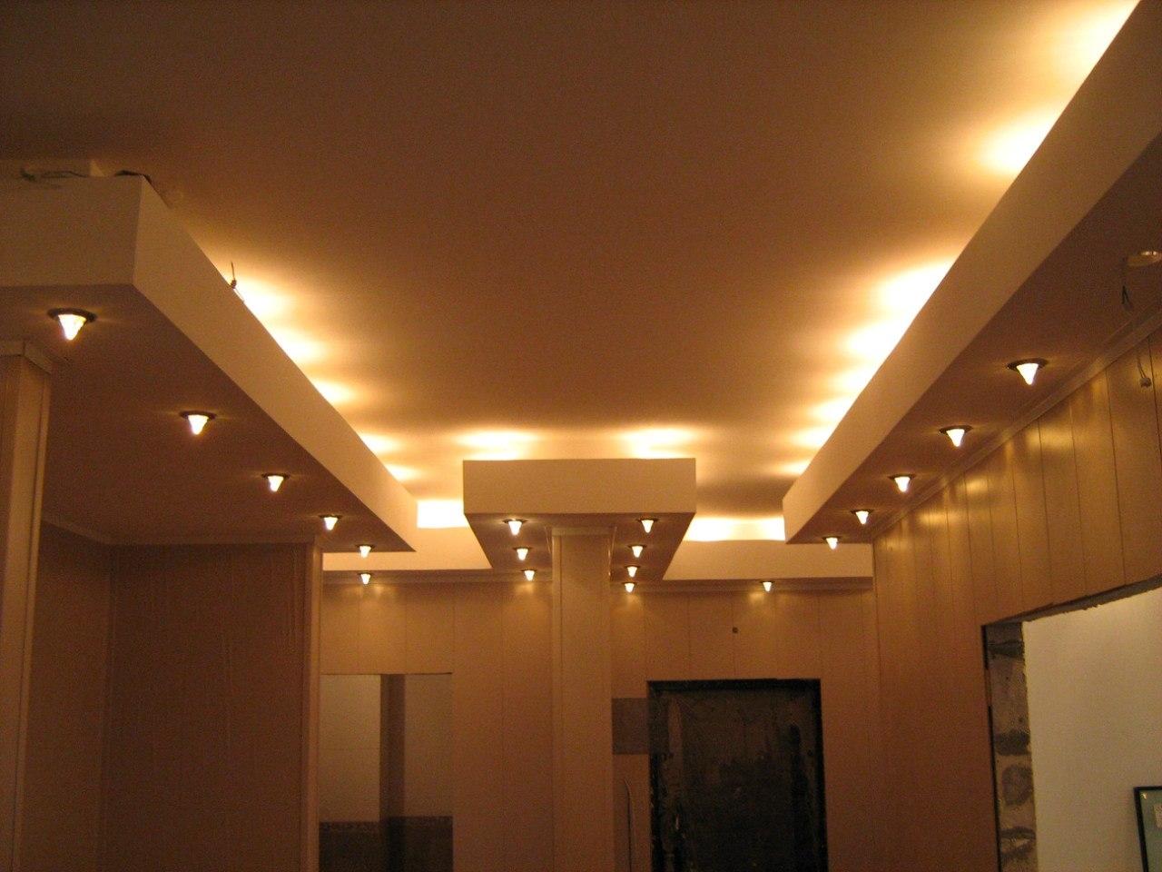 Пример парящего потолка из гипсокартона 1