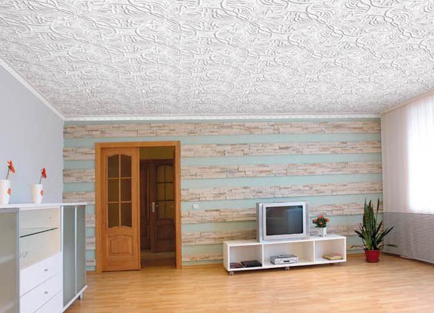 Бесшовная пенопластовая плитка на потолке