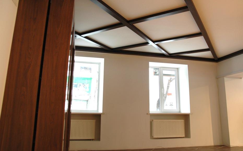 Декоративные потолочные фальш-балки фото