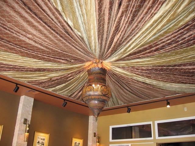 Как задрапировать потолок тканью