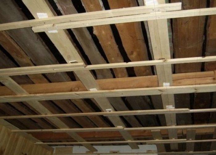Каркас для потолка из вагонки (вариант с наружным утеплением)