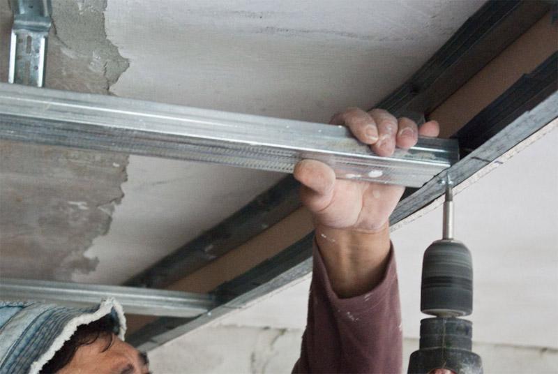 Монтаж потолочного профиля под гипсокартон своими руками