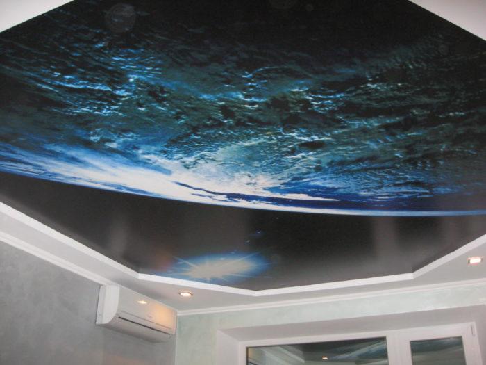 Натяжной потолок с фотопечатью матовый (космос)