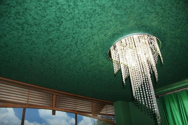 Натяжной потолок с рельефной поверхностью