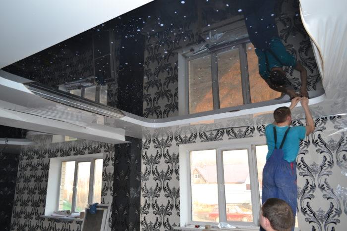 Натяжные потолки устанавливаются быстро, без пыли и грязи