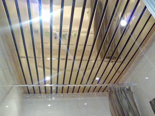 Невероятно красивый реечный потолок в стиле модерн