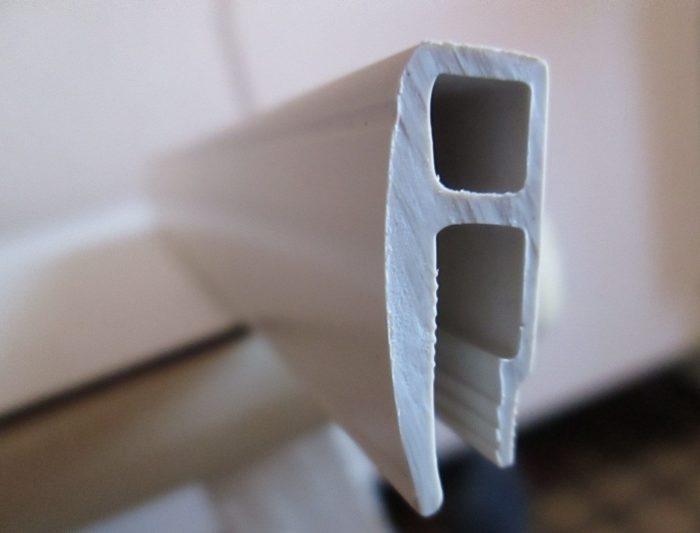 Пластиковый профиль для натяжного потолка