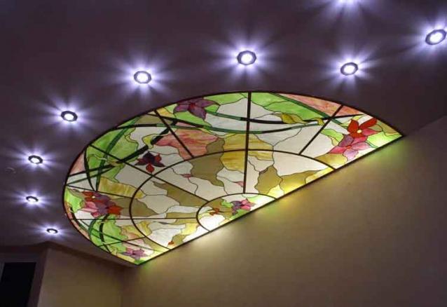 Пленочный витраж - это альтернатива дорогостоящим витражам Тиффани, изготовляется на цельном листовом стекле