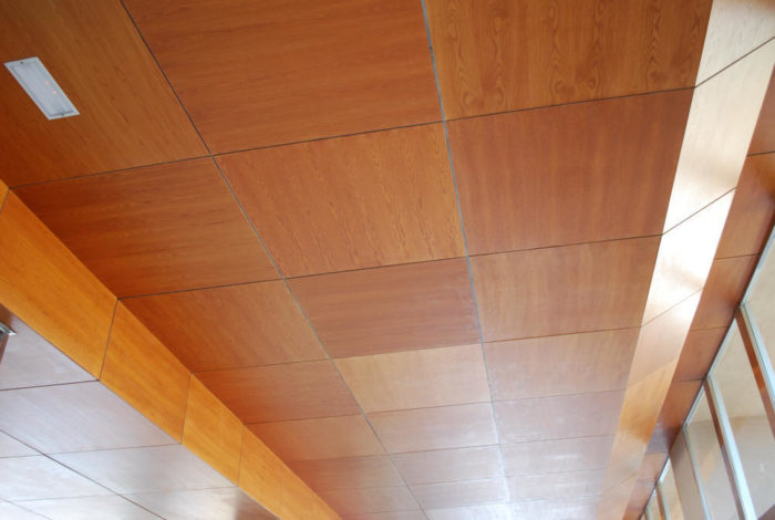 Потолочные панели из дерева