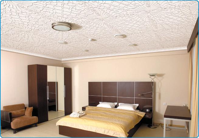 Применение плитки из пенополистирола в спальне