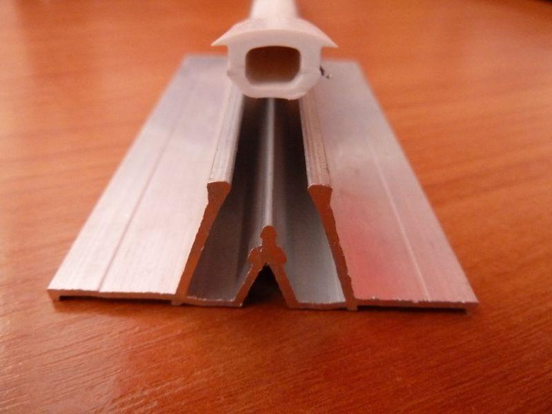 Разделительный потолочный профиль для натяжных потолков