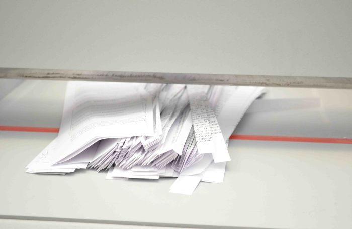 Шаг 2. Нарезаем бумагу (хотя можно использовать и целые листы)