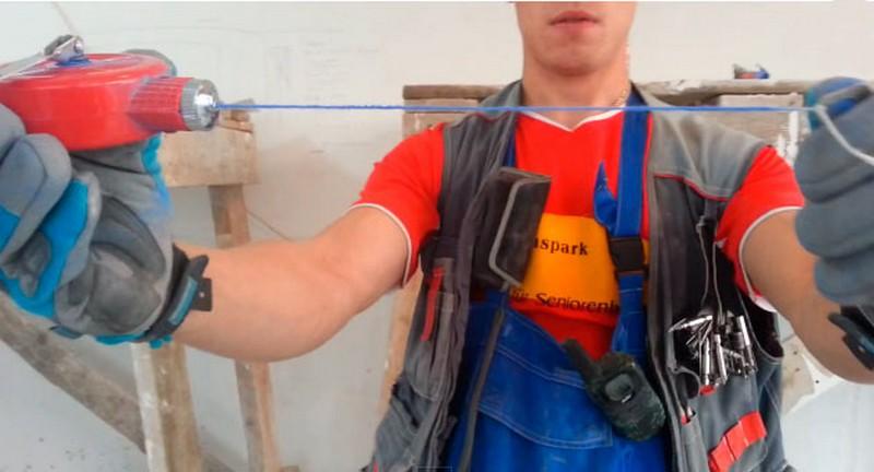 Шнуроотбойное приспособление для разметки стены (малярный шнур)
