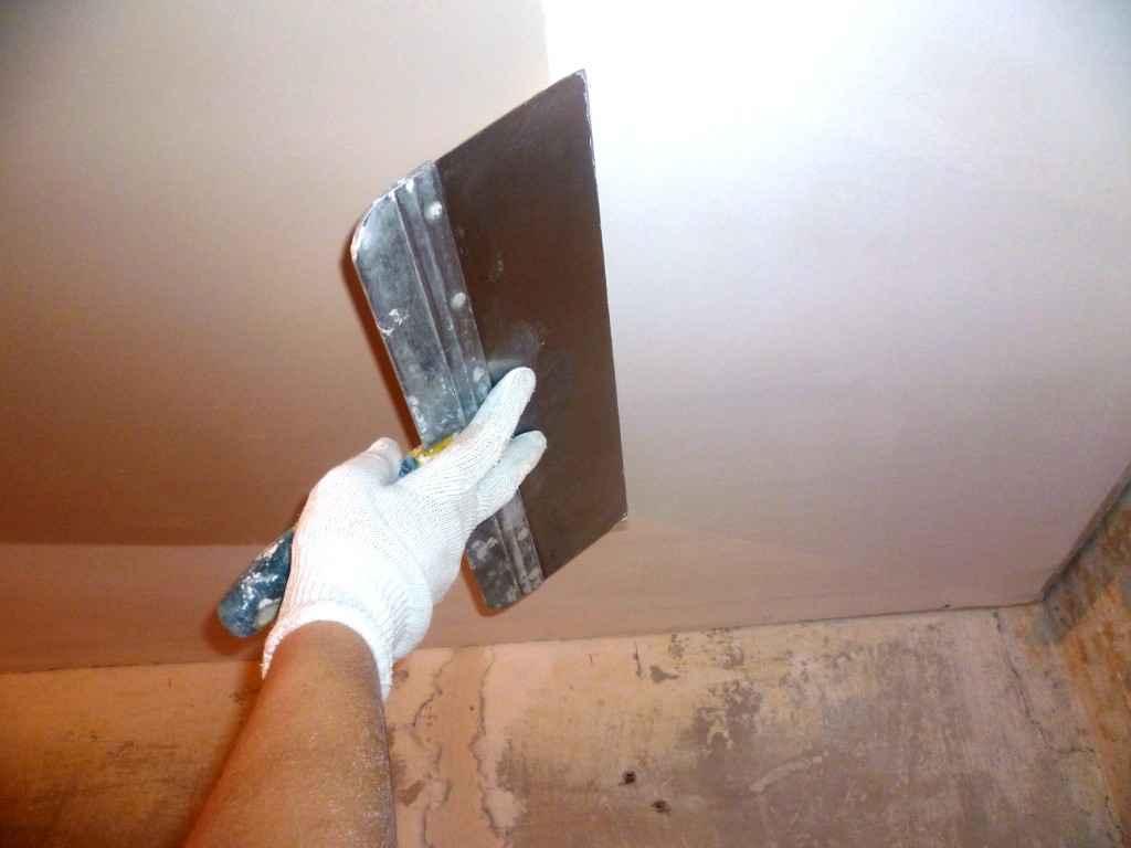 Шпаклевка потолочной поверхности